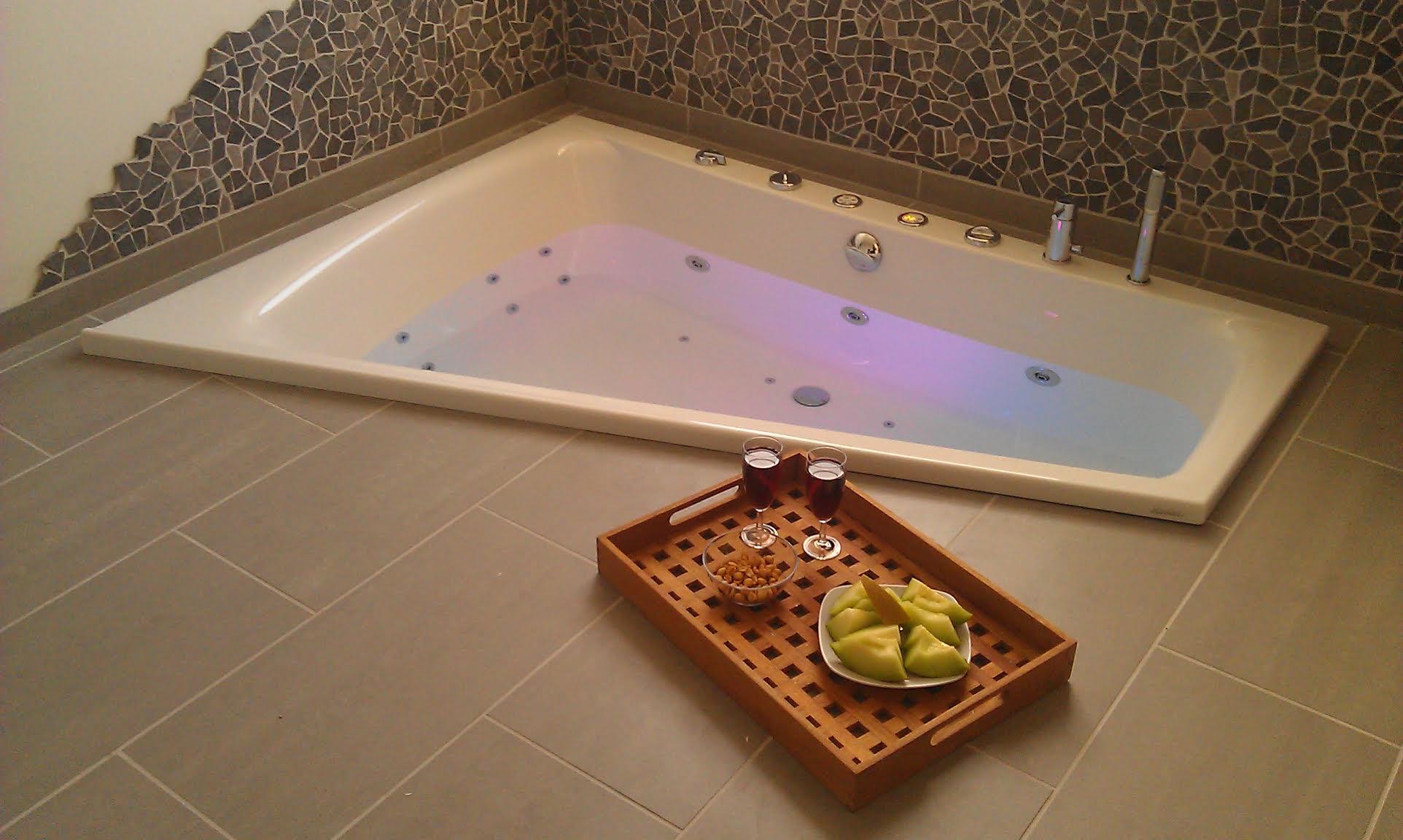 indbygget badekar Indbygget eller indmuret Badekar   Se mulighederne hos Danline indbygget badekar